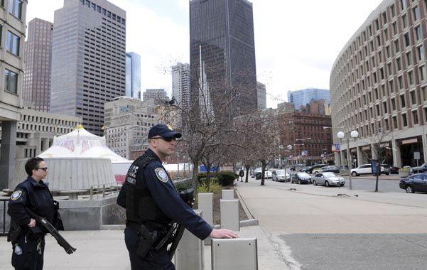 Calles vacías. Boston y sus alrededores estuvieron tomados ayer por el megaoperativo policial.