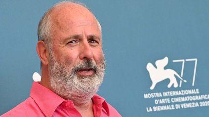 Roger Michell dirigió la película fue protagonizada por Hugh Grant y Julia Roberts, una de las más taquilleras de la historia.