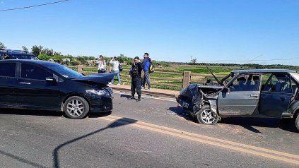 Tránsito habilitado en el Puente Carretero luego del choque frontal de dos autos