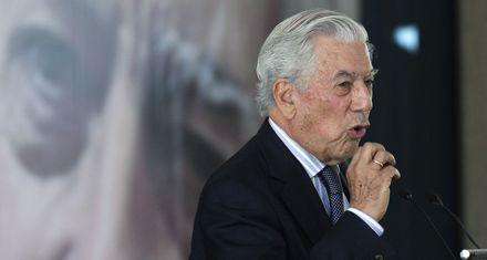 Vargas Llosa: Es lamentable que quieran vetarme, la única vez fue en la dictadura militar