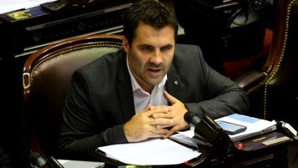 El secretario de Energía, Darío Martínez, inició el descongelamiento del precio de los servicios