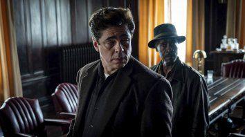 Don Cheadle y Benicio del Toro encabezan el elenco del filme sobre una banda de asaltantes.