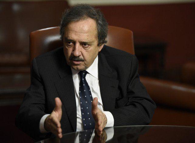 Presencia. Alfonsín dijo que la UCR pide influir en las políticas oficiales.