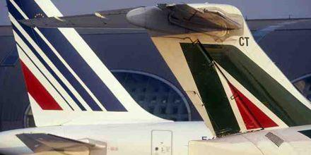 Celulares en los aviones: cómo evitar convertir los vuelos en un gallinero