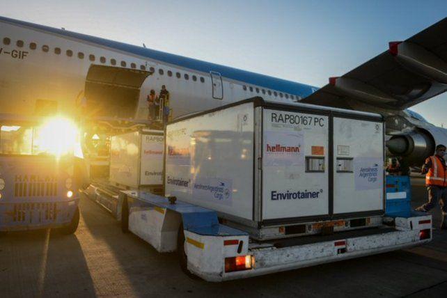 Aerolíneas Argentinas traerá este lunes dos cargamentos