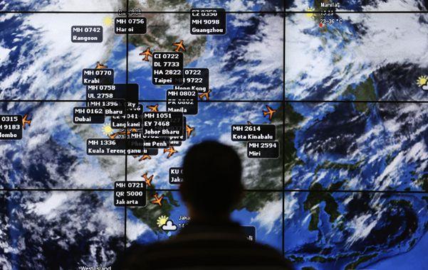 Un misterio. Los investigadores no hallan rastros del vuelo de Malaysia.