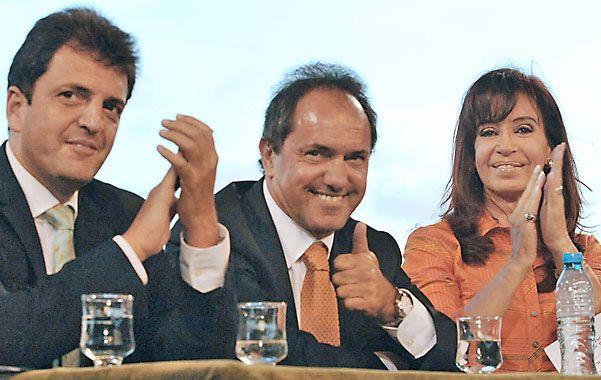 Cristina aguarda las definiciones de Massa y Scioli para mensurar el futuro K en provincia.