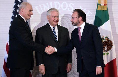 Un difícil inicio del diálogoentre EEUU y México