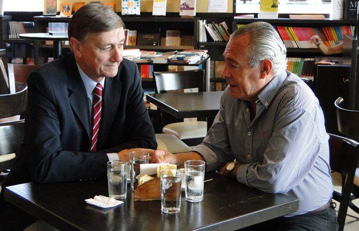 Binner y Barletta en 2013. El Frente Progresista sufrió un duro revés electoral el domingo pasado.