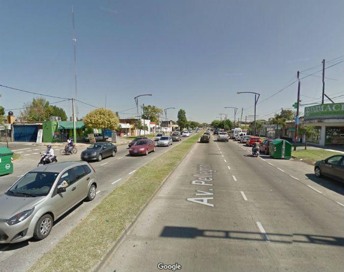 Pellegrini al 4.400 la zona donde fue asaltado el local de telefonía móvil. (Foto: captura de Street view)