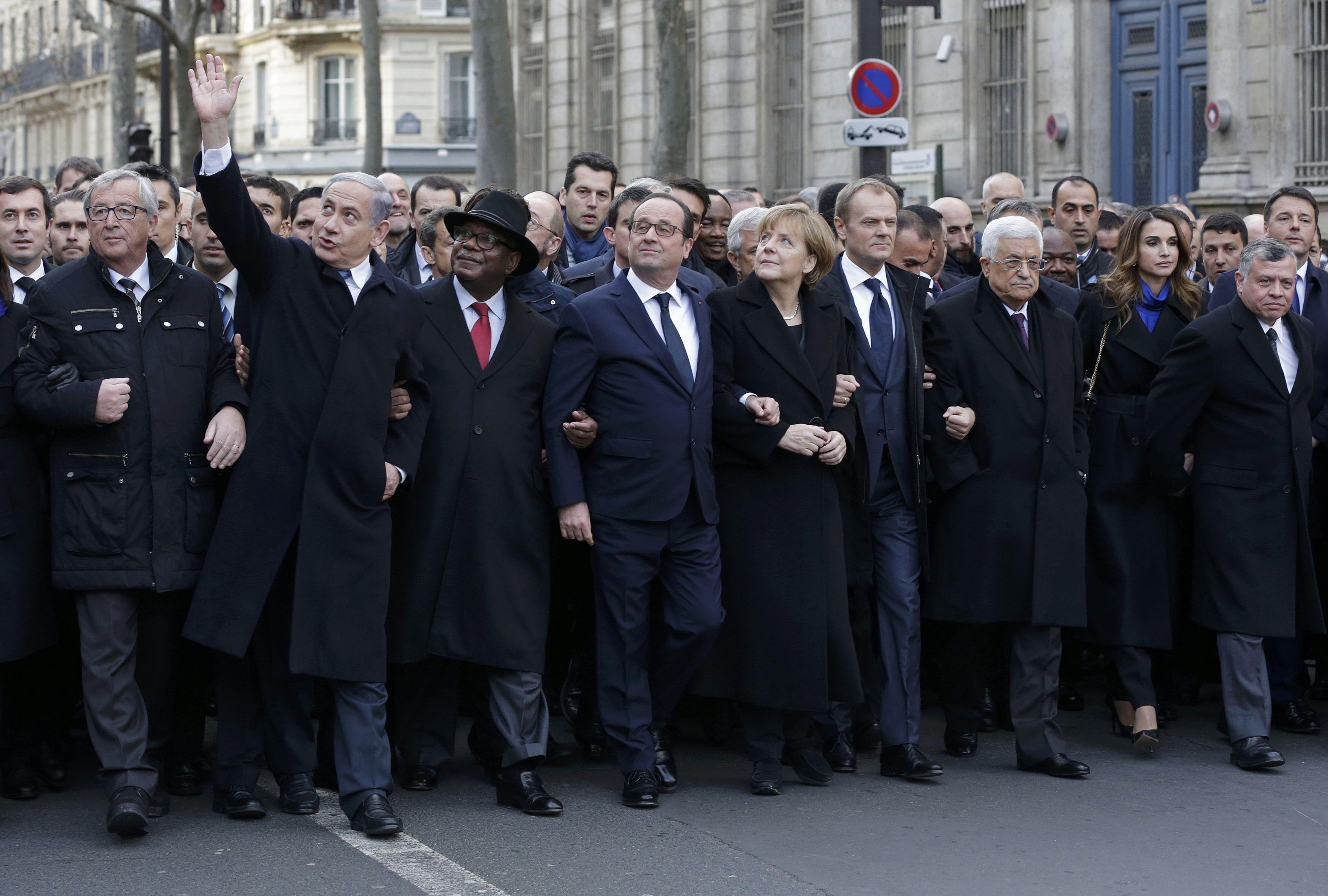 El presidente de Francia Francoise Hollande encabezó la marcha junto a los principales líderes de Europa.