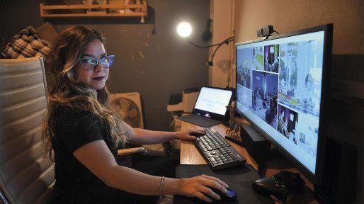 Luján Oulton, curadora de videogames