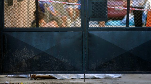 Fleitas cayó sin vida en un pasillo donde intentó guarecerse de los disparos.
