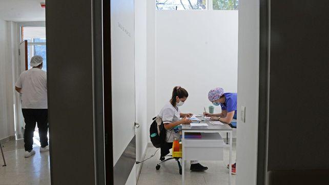 La vacunación avanza a paso firme en Rosario y en la provincia de Santa Fe.