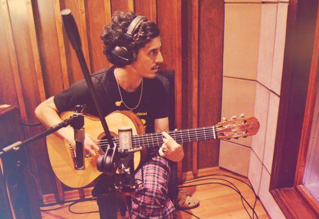 Julián Rossi lanza su disco Inextinguible, un canto por la libertad