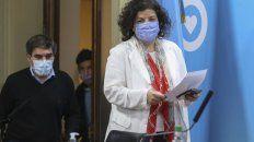CASA ROSADA. La ministra Carla Vizzotti ingresa a la sala de conferencias donde hará los anuncios.