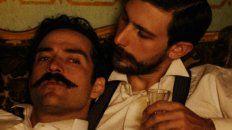 Alfonso Herrera y Emiliano Zurita como Ignacio de la Torre, yerno del presidente mexicano Porfirio Díaz, y el abogado Evaristo Rivas.