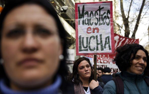 Vázquez fue recibido en un acto en Piedra Alta con abucheos y gritos por cientos de manifestantes.