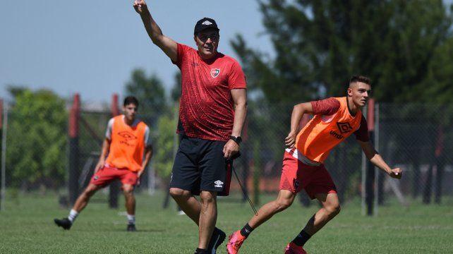El entrenador rojinegro lleva al partido de la copa con triunfos sobre Lanús