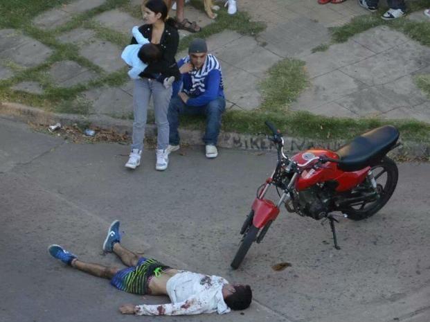 El joven que fue asesinado en barrio Azcuénaga.