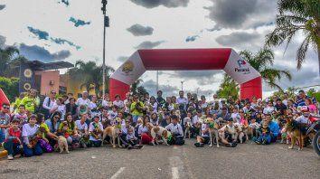 Gran número. Una muy buena cantidad de competidores, junto a sus mascotas, protagonizaron la segunda edición de una competencia que busca como fin la tenencia responsable del anima.