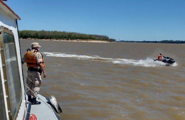 Río Paraná. Prefectura busca a la víctima en la margen izquierda del río