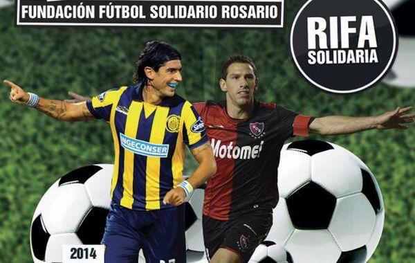 El premio es una camiseta de Maxi Rodríguez para los hinchas de Newells y una del Loco Abreu para los de Central.