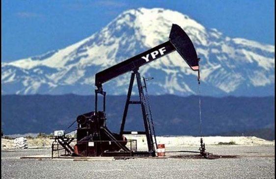 YPF anunció el descubrimiento de una reserva de gas y petróleo convencional en Santa Cruz