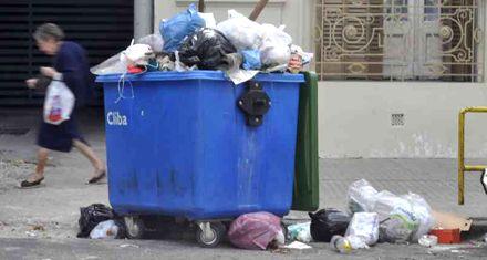 Los recolectores de residuos levantaron el paro, pero se mantienen en estado de alerta