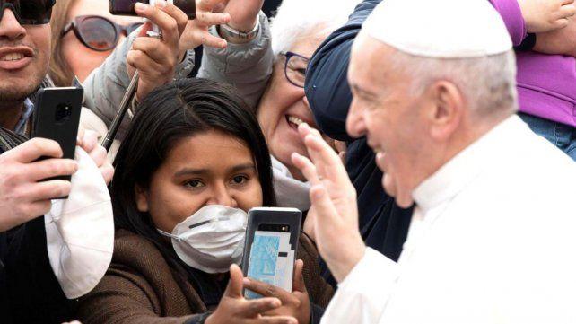 El Papa Francisco tiene gripe en medio del brote del coronavirus en Italia