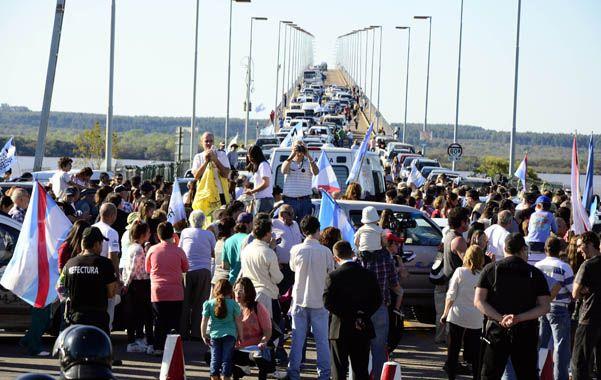 En caravana. Gualeguaychú marchó de nuevo contra la pastera UPM.
