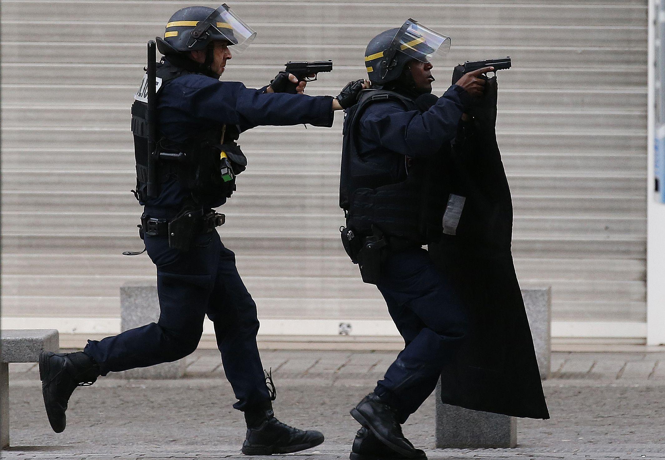 Fuerzas policiales entran en acción esta mañana en Saint-Denis