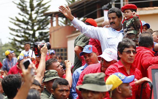 El favorito. Maduro de recorrida ayer por el estado de Barinas