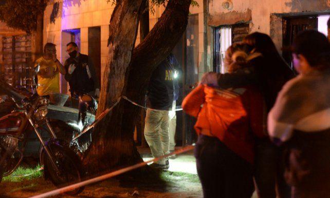 El crimen de Tacuara Ramírez sorprendió a propios y extraños en las calles de barrio Plata.