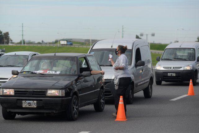 Entre las medidas adicionales que anunció el gobernador Omar Perotti está el incremento de los controles en las rutas de acceso a Santa Fe.