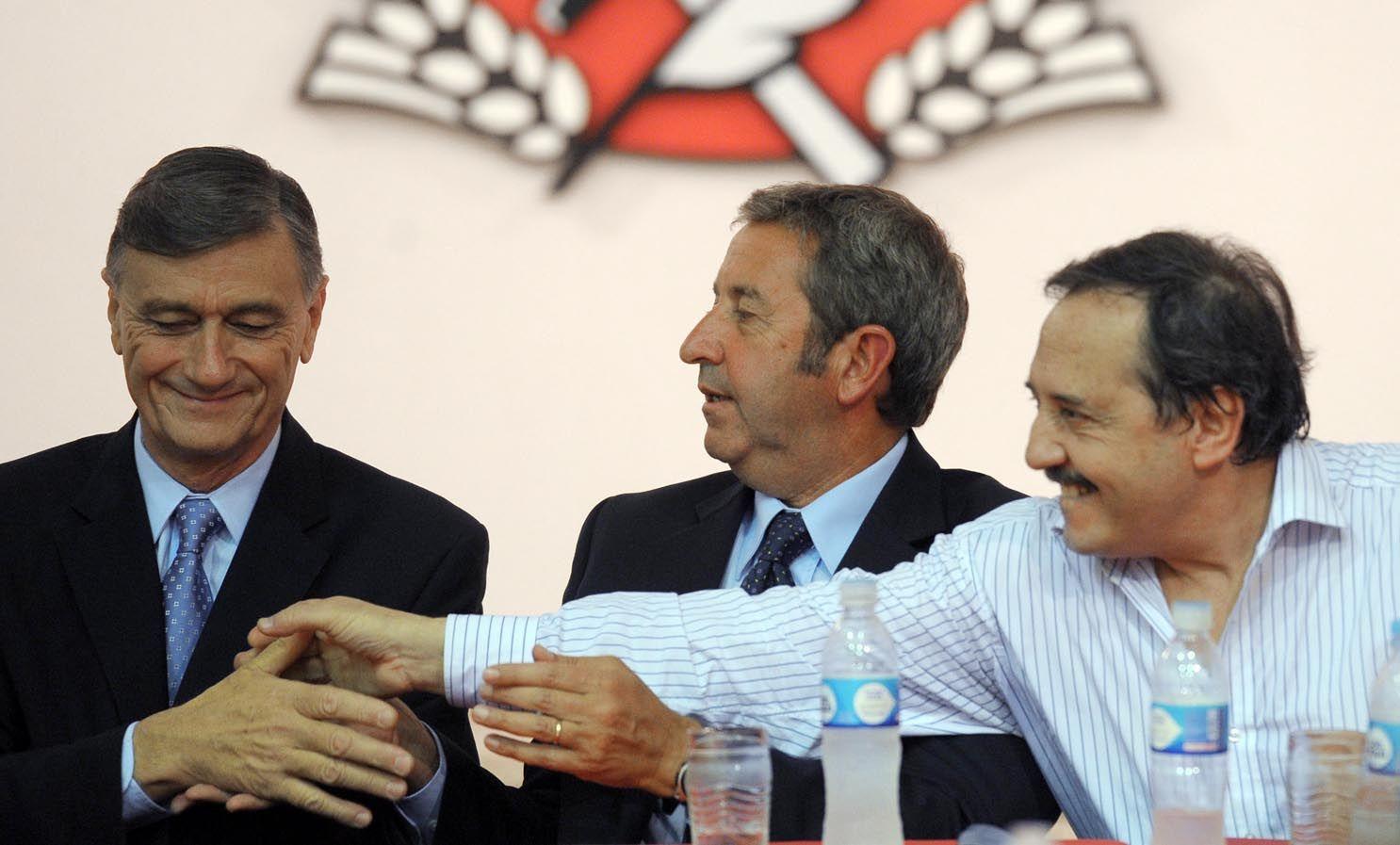 """Alfonsín pidió darle """"dimensión nacional"""" a la fuerza que gobierna en Santa Fe."""