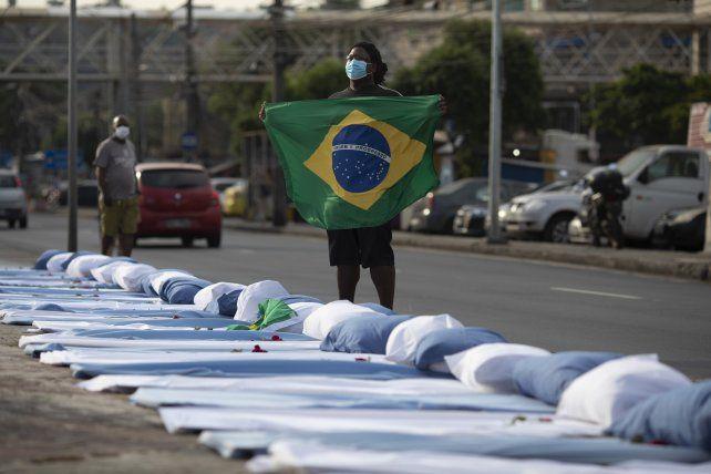 Brasil superó por primera vez los 100 mil casos de coronavirus en un día