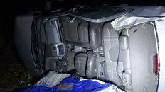 El Chevrolet Cobalt en el que viajaba la joven de 29 años que perdió la vida tras un vuelco en la autopista a Santa Fe.