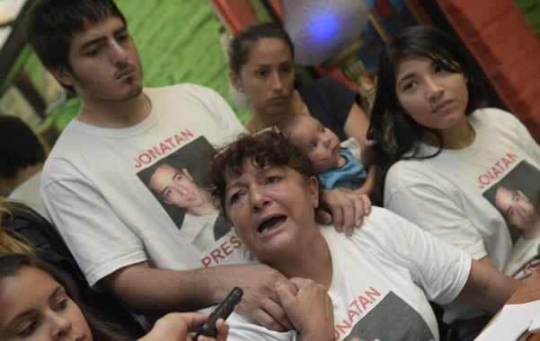 María Elena junto a sus familiares pidió que no haya juicio abreviado. (Celina Mutti Lovera / La Capital)