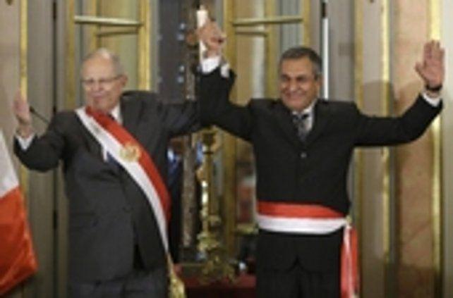 Cambios en el gabinete. El presidente peruano levanta la mano de su nuevo ministro de Interior