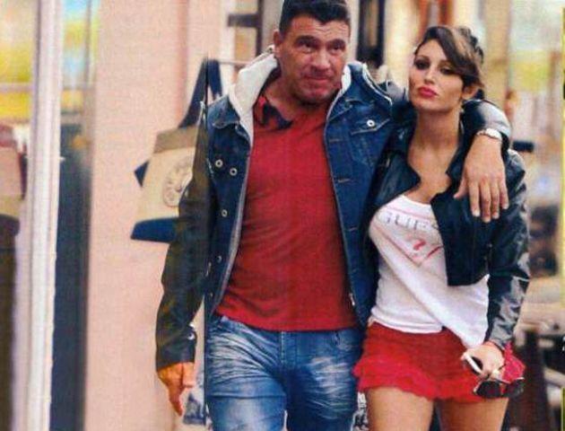 Leandro Pérez y Vicky Xipolitaxis. El empresario dijo que la pareja está atravesando una tormenta. (Foto: Paparazzi)