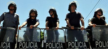 El gobierno pone en marcha una estructura para controlar a la policía