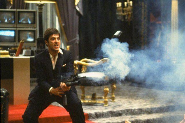 Al Pacino en su personaje de Tony Montana, el narco cubano de la película Scarface que hoy algunos jóvenes idolatran.
