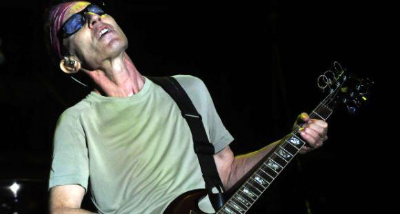El espíritu del Flaco Spinetta sobrevoló la segunda noche del Cosquín Rock