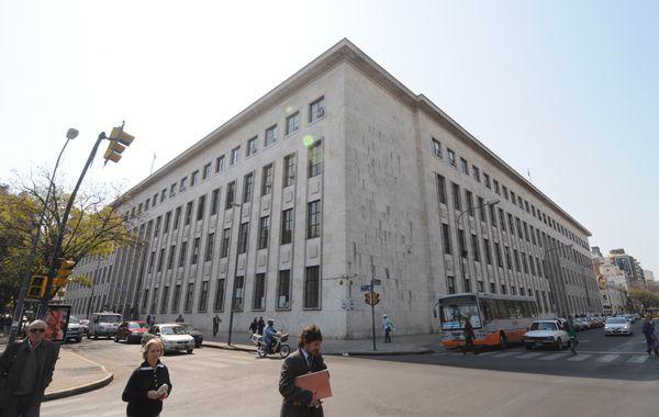 Prunotto Laborde cuestionó la falta de espacios y lugares apropiados para alojar a los detenidos.