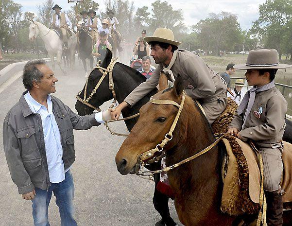 Scioli estuvo en la tradicional celebración de San Antonio de Areco. (NA)