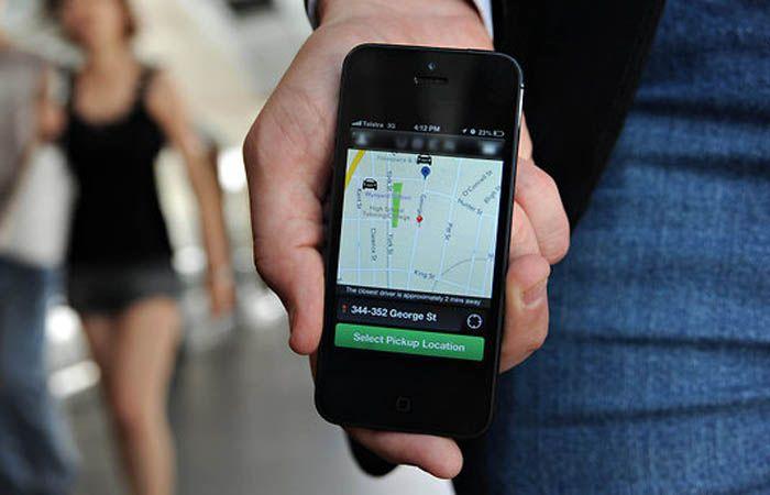 En Rosario hay al menos cinco empresas que ofrecen la posibilidad de solicitar un servicio de taxis desde una aplicación.