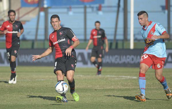 Maxi intenta escapar a la marca de Leandro Godoy