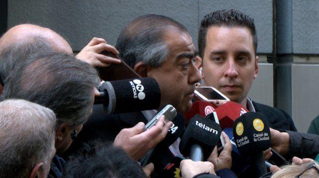 """La central obrera que lidera Daer sostiene que la inflación """"pulverizó"""" los ingresos de los trabajadores."""