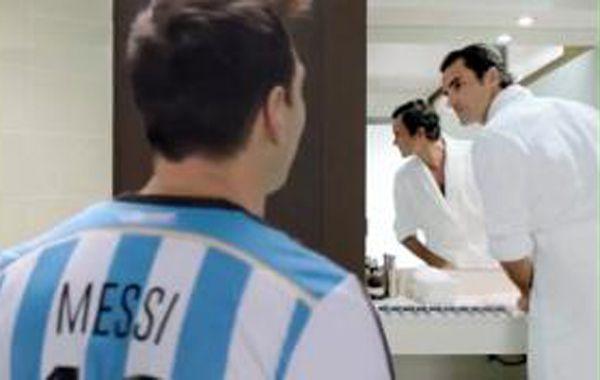 Messi y Federer se enfrentaron en una cancha de fútbol ¿quién ganó?